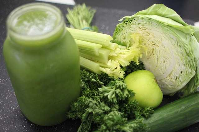 green juice with broccoli and cabbage
