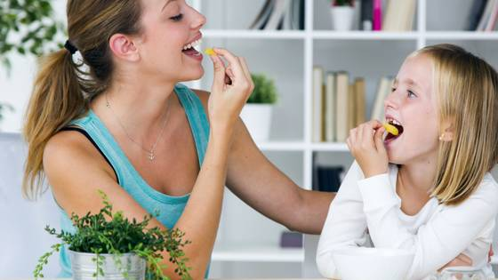 change frequency for a better life - mother and daughter eating healthy
