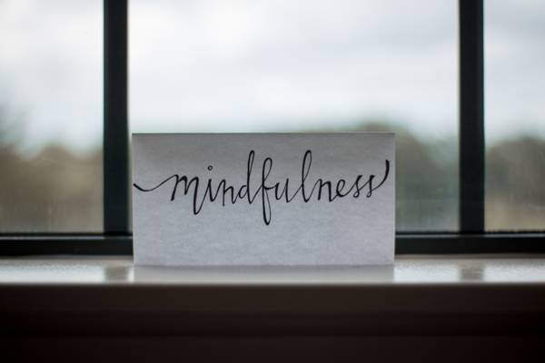 benefits of meditation - mindfulness meditation written on white card
