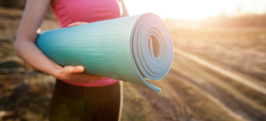 The Best Yoga Mats For Beginners In 2020 7 Mats That Won T Leave You In Regret