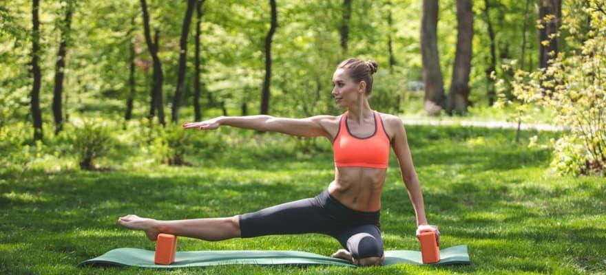 how to use yoga blocks